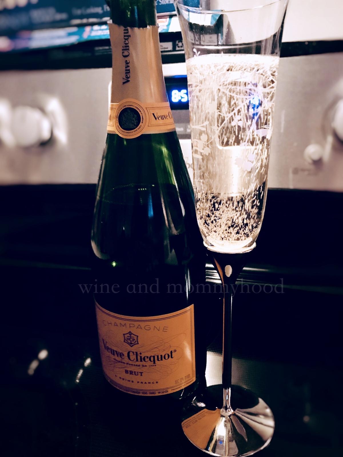 Champagne_NewYear.jpg